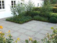belægning og have Summer Garden, Home And Garden, Garden Floor, Outdoor Living, Outdoor Decor, Garden Stones, Outdoor Projects, Dream Garden, Garden Inspiration