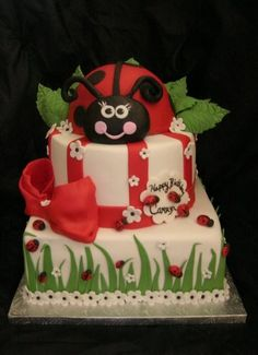 """They were my """"theme favorite"""" when I was growing up! Maybe I can have a lady bug cake for my bday this year.just for a childhood fav memory! Pretty Cakes, Beautiful Cakes, Amazing Cakes, Cupcakes, Cupcake Cakes, Ladybug Cakes, Ladybug Party, Character Cakes, Occasion Cakes"""