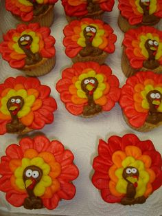 Turkey Cupcakes- use floral cutter and decorate like turkeys Turkey Cupcakes, Thanksgiving Cupcakes, Holiday Cupcakes, Easter Cupcakes, Fun Cupcakes, Holiday Treats, Holiday Fun, Thanksgiving Recipes, Thanksgiving Baking