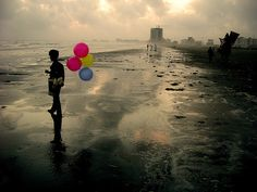 Returning to the same ocean. (Karachi, Pakistan.) by ali khurshid, via Flickr