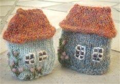 Annerledes strikk... Crochet Food, Crochet Crafts, Knit Crochet, Knitting Projects, Knitting Patterns, Plastic Canvas Coasters, Christmas Card Crafts, Crochet Decoration, Plush Pattern
