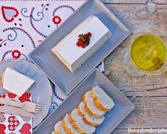 Este mouse de queso de cabra es un entrante perfecto para cualquier comida especial de estas Navidades. Aunque predomina el sabor característico del queso de cabra, está suavizado por el yogur, su tex