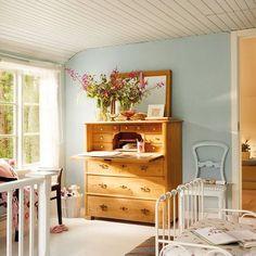 Antes y después: los cambios con chalk paint más espectaculares Muebles Living, Ikea, Chalk Paint, Diy Furniture, Retro, Table, House, Painting, Home Decor