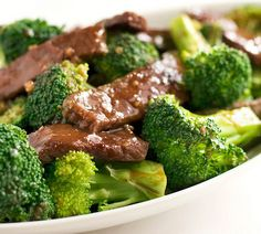 PALEO SESAME BEEF AND BROCCOLI - Paleo Recipes. Don't care about the Paleo part, this looks good and broccoli is one of the few green veggies my kids will eat!
