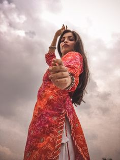 Teen Photography Poses, Creative Portrait Photography, Teenage Girl Photography, Image Photography, Cute Girl Poses, Girl Photo Poses, Selfies, Stylish Photo Pose, Indian Photoshoot