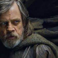 Mark Hamill Has Opinions About a Luke Skywalker Bust on Display at Star Wars: Galaxys Edge Comic News, Mark Hamill, Luke Skywalker, Google News, Star Wars, Display, Comics, Fictional Characters, Floor Space
