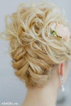 Peinados recogidos que harán tu vida más sencilla y te dejarán hermosa