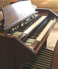 Musicals Instruments Tips E Piano, Piano Man, Grand Piano, Hammond Organ, The Hammond, Sound Of Music, Kinds Of Music, Organ Music, Bass Clarinet