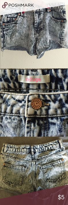 Denim Shorts Cute denim shorts.  Gently Used. No tear or stain. Bundle more than 2 items and get 20% off :) refuge Shorts Jean Shorts