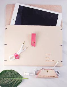 Trendy iPad Case | Three Tiny Words Beautiful tech accessories for the woman on the run! Keep your computer accessories organized and looking good. #ipadcase #techforher #leathertabletcase #customizable #leathercase #sentimentalgift