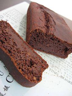 עוגת שוקולד דובדבנים טבעונית