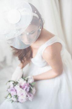 pretty bridal hat http://weddingwonderland.it/2015/04/la-dalia-bianca.html