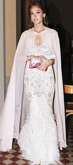 Estilista de moda Cristina Reyes - Part 4 Elegant Dresses, Nice Dresses, Formal Dresses, Gala Dresses, Evening Dresses, Royal Fashion, Fashion Looks, Glamour, Classy Women