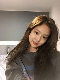 Black Pink Yes Please – BlackPink, the greatest Kpop girl group ever! Blackpink Jennie, Divas, Kpop Girl Groups, Kpop Girls, Korean Girl, Asian Girl, Black Pink ジス, Blackpink Photos, Kim Jisoo