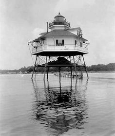 Drum Point Lighthouse, Maryland ... 1915....  at Lighthousefriends.com