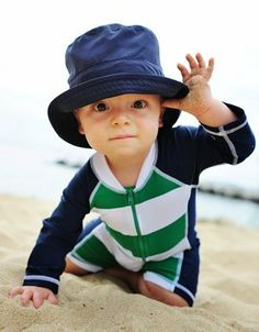 Amazon.com: Boys UPF 50 LS One Piece Zippered Sun Suit by Snapper Rock - Kelly Green / Navy Blue / White: Clothing