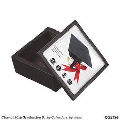 Class of 2020 Graduation Day by Janz Keepsake Gift Box - college graduation gift idea cyo custom customize personalize special Girl Birthday, Birthday Gifts, Birthday Celebration, Birthday Ideas, Graduation Balloons, College Graduation Gifts, Class Of 2019, Love Gifts, Keepsake Boxes