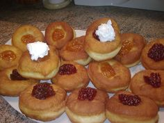 Perfektné šišky Eastern European Recipes, Pretzel Bites, Doughnut, Muffin, Bread, Breakfast, Rum, Anna, Morning Coffee