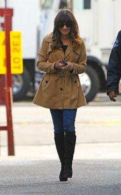 Lea Michele is stylish on Los Angeles' sidewalks in a camel colored coat. http://www.eonline.com/photos/6415/celebrity-street-style/242960