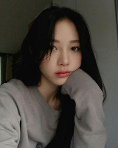 Makeup asian grunge New Ideas Pretty Korean Girls, Cute Korean Girl, Pretty Asian, Beautiful Asian Girls, Ulzzang Girl Selca, Ulzzang Korean Girl, Aesthetic Fashion, Aesthetic Girl, Girl Korea
