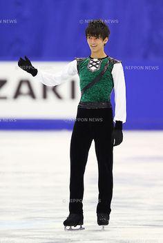 Ryuju Hino (JPN), .December 22, 2012 - Figure Skating : .Japan Figure Skating Championships, Mens Free Skating .at Makomanai Ice Arena, Hokkaido, Japan. .(Photo by Daiju Kitamura/AFLO SPORT)