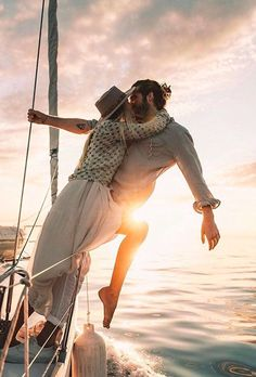 30 Honeymoon Photo Ideas For Unforgettable Memories ❤ honeymoon photo ideas kiss on boat at sunset mariefeandjakesnow photos 30 Honeymoon Photo Ideas For Unforgettable Memories Freedom Is A State Of Mind, Couple Travel, Delon, I Want To Travel, Wedding Photo Inspiration, Romantic Couples, Romantic Gifts, Couple Shoot, Couple Photography