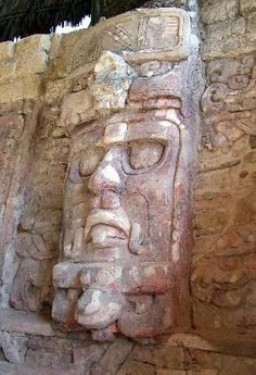 With over 6500 Maya structures Calakmul is one of the largest Mayan cities archeologists have ever found Mayan Ruins, Ancient Ruins, Ancient Artifacts, Ancient History, Tikal, Ancient Discoveries, Maya Civilization, Mayan Cities, Arte Tribal