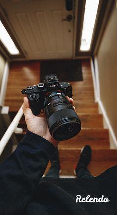 Eleva tus fotografías a otro nivel con la cámara A7S II de Sony. Una cámara fotográfica  y de vídeo profesional con la que experimentarás la resolución 4K. Alquila equipo audiovisual a creativos de tu ciudad. Fácil, flexible y sin fianzas.