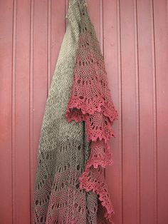 Pinning for the colors. Gorgeous! Ravelry: Holden Shawlette pattern by Mindy Wilkes