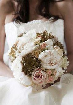 Bouquet de flores variadas. Flores para una boda en Fin de Año