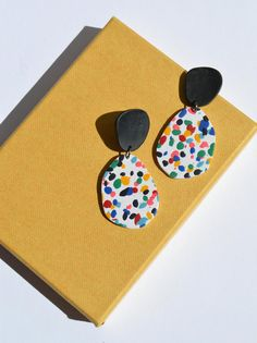 Polymer Clay Crafts, Handmade Polymer Clay, Polymer Clay Jewelry, Diy Clay Earrings, Biscuit, Small Jewelry Box, Bijoux Diy, Clay Creations, Clay Art