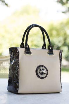 Comece a semana com uma mala da nova coleção! Start this week with a Cavalinho handbag!  Ref: 1070072 #cavalinho #cavalinhoficial