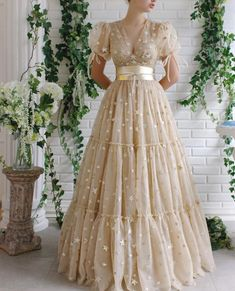 Details - Cream dress color - Starry tulle dress fabric - Handmade TM ribbons - Puffy sleeves with V-neck and waist definition - For special occasions Elegant Dresses, Pretty Dresses, Beautiful Dresses, Stylish Dresses, Ball Dresses, Evening Dresses, Prom Dresses, Ball Gowns Evening, Ball Gowns Prom