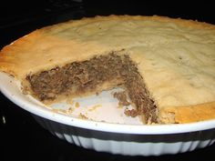Tourtière is a French Canadian meat pie which is traditionally served at Christ. Canadian Living Recipes, Canadian Cuisine, Canadian Food, Canadian Dishes, Tourtiere Recipe Quebec, Tortiere Recipe, French Meat Pie, French Canadian Meat Pie Recipe, Recipes