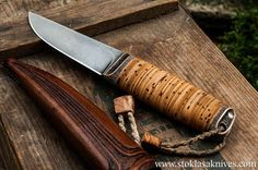stoklasa knives - birch bark Cool Knives, Knives And Swords, Hand Forged Knife, Dagger Knife, Bushcraft Knives, Iron Steel, Knife Sheath, Birch Bark, Fixed Blade Knife