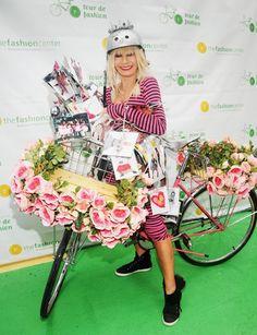 Celebrity Bike Style: Betsy Johnson