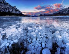 Amazing Natural Phenomena That Occur On Earth Abraham Lake; Alberta, Canada Frozen Bubbles of methane Places Around The World, Around The Worlds, Nature Architecture, Destinations, See The Northern Lights, Seen, Just Dream, All Nature, Natural Phenomena