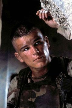 The 25 Sexiest Movie Soldiers | Celebrity Gossip and Entertainment News | VH1 Celebrity