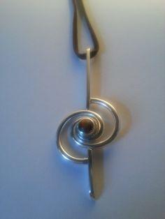 elegante zilveren hanger met tijgeroog van JackysJewels op Etsy