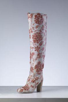Les bottes arty de Sergio Rossi par Peng Wei #shoes http://www.vogue.fr/mode/news-mode/articles/les-bottes-arty-de-sergio-rossi-par-peng-wei/16332