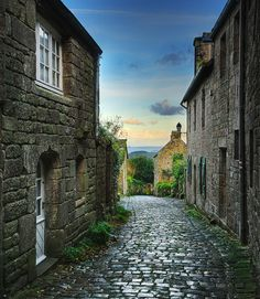 Nothing like cobblestone alleyways that make you want to walk down them and see what's round the corner