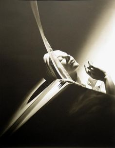 Lisa Fonssagrives Horst P. Horst | Lisa with Turban, 1940 - Horst P. Horst - Artists - Jackson Fine Art ...