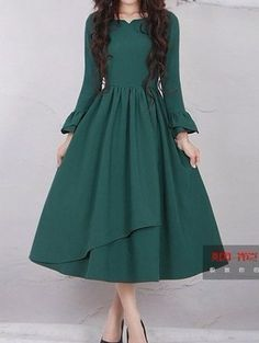 Sun dress with a skirt 2 Vintage Midi Dresses, Modest Dresses, Simple Dresses, Casual Dresses, Pretty Outfits, Pretty Dresses, Beautiful Dresses, Frock Design, Indian Designer Outfits
