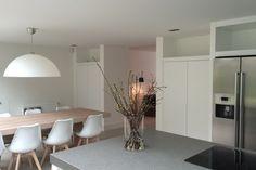 Stijlvol | meneervanhout.nl Home Interior Design, Dining Room Table, Best Kitchen Designs, Interior, Kitchen Living, House, Kitchen Interior, House Interior, Room