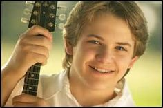 Oh! New old picture of Hunter that I've never seen before! Fangirl overload!
