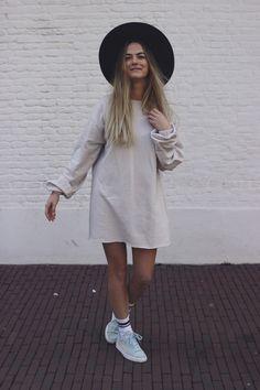 Comfy-sweater-dress-love - CARMEN MATTIJSSEN