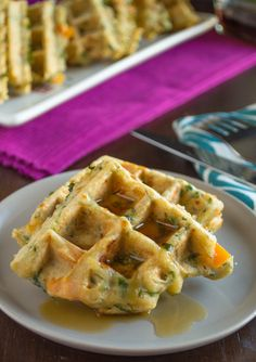 You will find spinach, peppers, basil, and scallions tucked in every inch of these savory veggie waffles. Who said that waffles are for breakfast only? Healthy Waffles, Savory Waffles, Savory Breakfast, Breakfast Ideas, Cornbread Waffles, Mexican Breakfast, Breakfast Sandwiches, Breakfast Pizza, Morning Breakfast