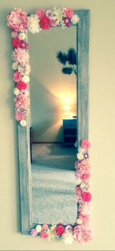 Cute mirror idea... But with bows :)
