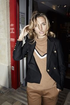 This beautiful turtleneck sweater will fit perfectly into your fall wardrobe. Knitted from soft cashmere and cut in a straight fit. Wear yours with a pair of tailored pants for the office, or tuck it into jeans for a more casual look. Nice Dresses, Blazer, Wordpress, Jackets, Woman, Room, Fashion, Down Jackets, Bedroom
