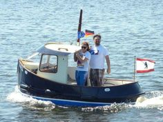 Micro Tug .... Boat Building Plans, Boat Plans, Speed Boats, Power Boats, Tug Boats For Sale, Small Jet Boats, Mini Yacht, Kids Boat, Motor Cruiser